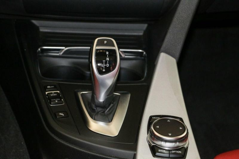 BMW 3 Series 2017 price $33,995