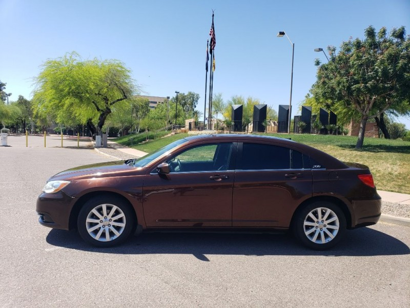 Chrysler 200 2012 price $4,950