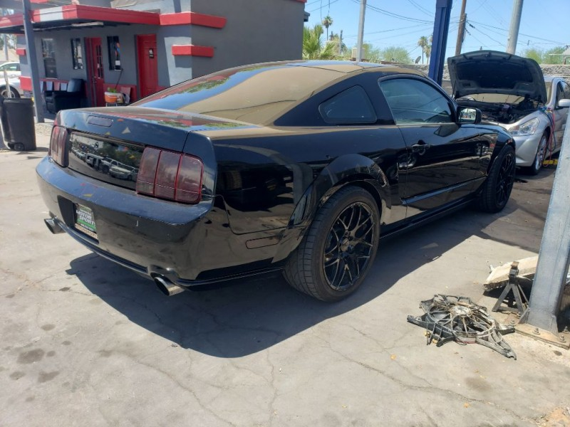 Ford Mustang 2005 price $9,000
