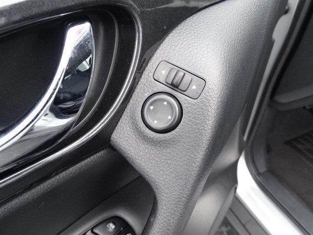Nissan Rogue 2018 price $15,975