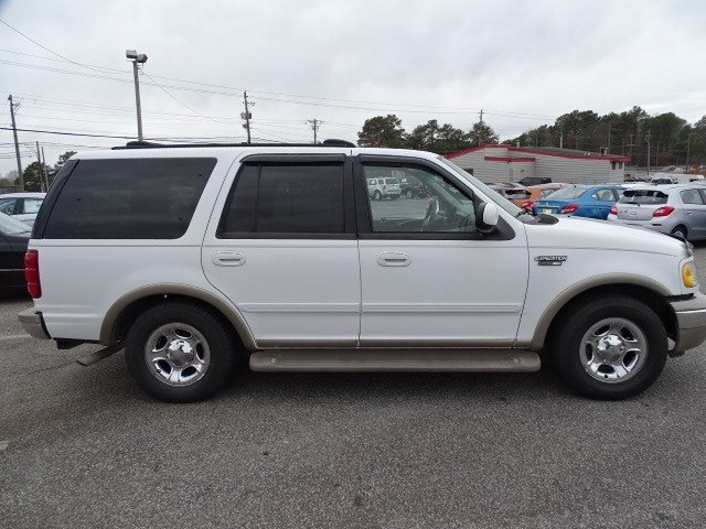 Ford Expedition 2002 price $8,990