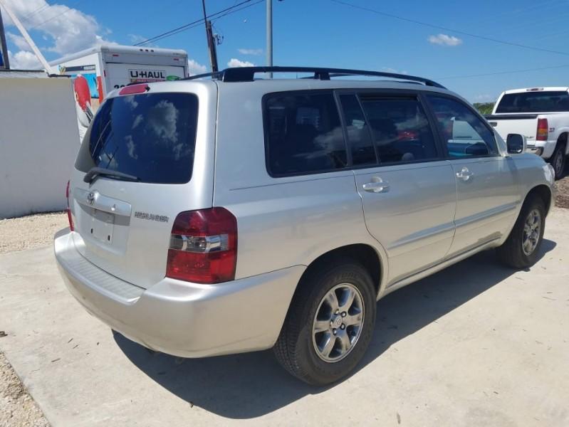 Toyota Highlander 2004 price $6,500