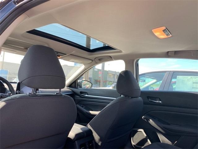 Nissan Altima 2019 price $30,995