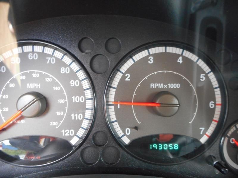 Jeep Liberty 2005 price $2,995