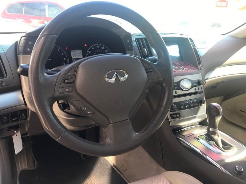 Infiniti G37 Sedan 2011 price Call for Pricing.