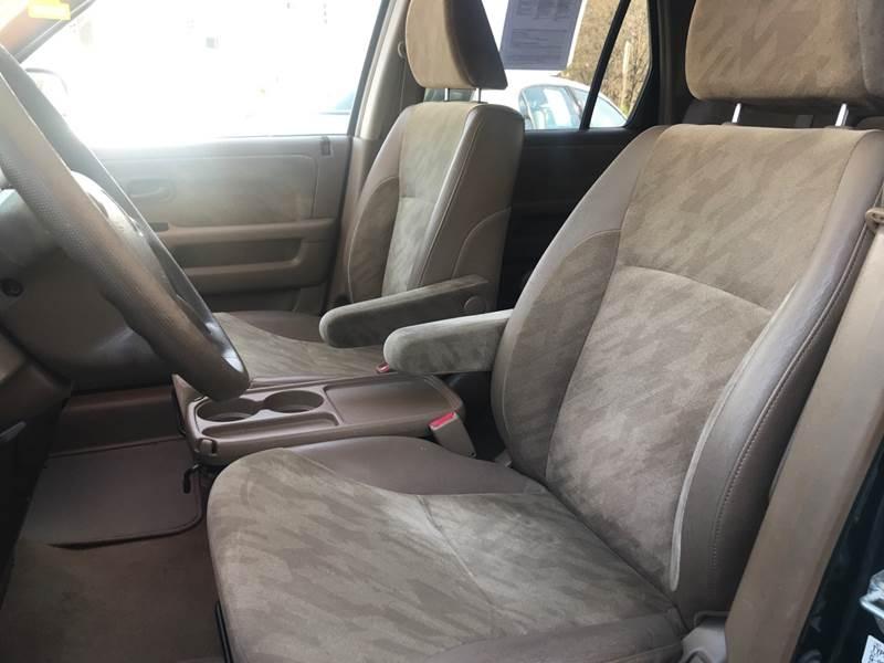 Honda CR-V 2004 price Call for Pricing.