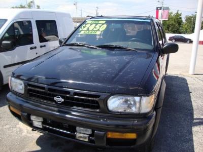 1996 Nissan Pathfinder 4dr XE Auto