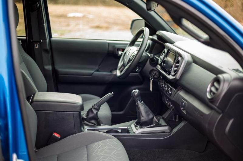 Toyota Tacoma 2018 price $32,500