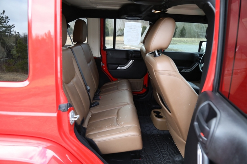 Jeep Wrangler Unlimited 2014 price $23,900