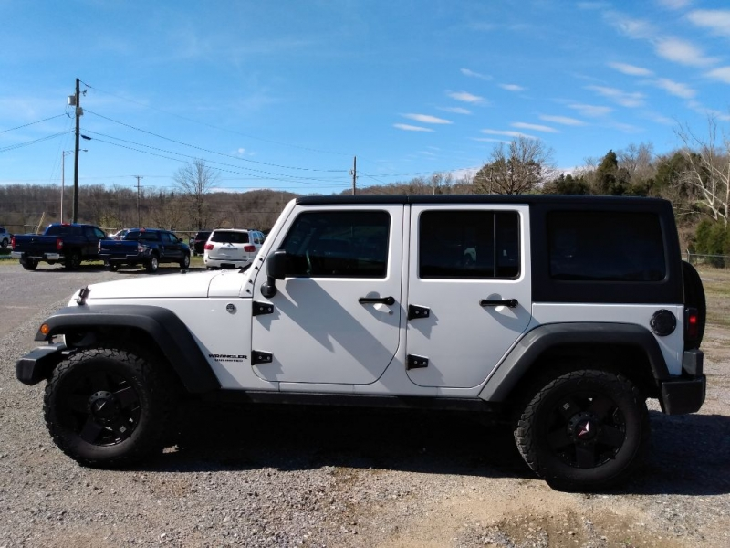 Jeep Wrangler Unlimited 2015 price $22,900