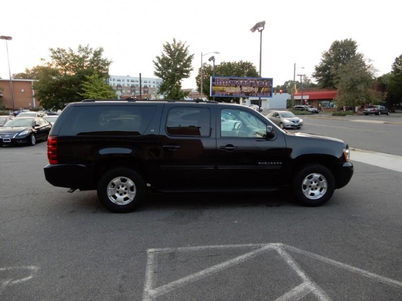 Chevrolet Suburban 2013 price $15,895