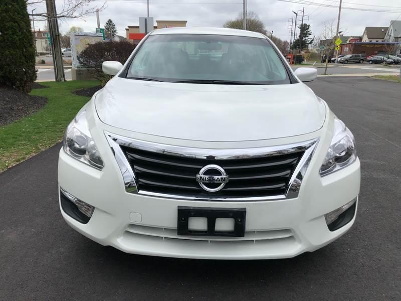 Nissan Altima 2015 price $10,999