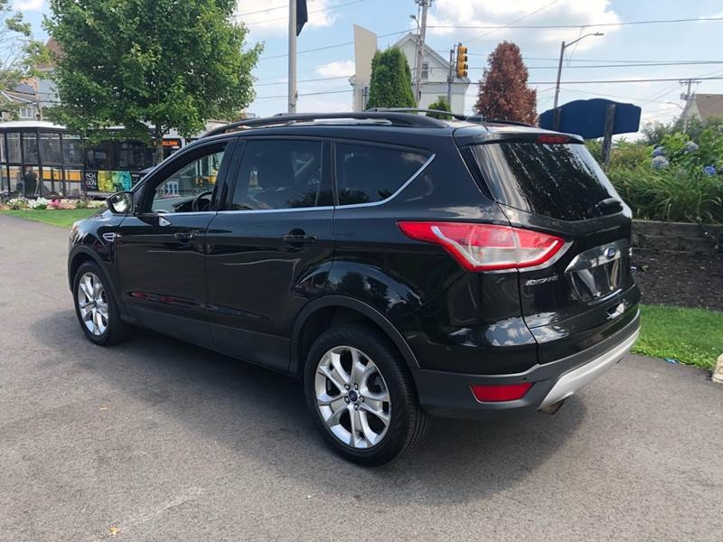 Ford Escape 2013 price $8,875