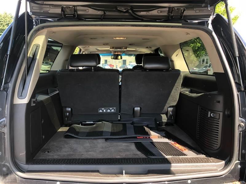 GMC Yukon XL 2011 price $12,745