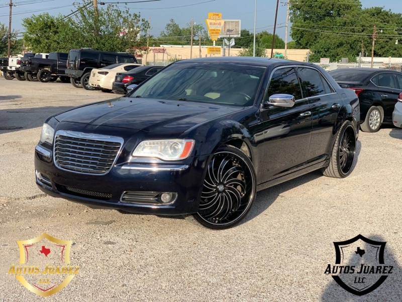 CHRYSLER 300 2011 price $8,500