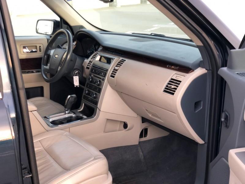 Ford Flex 2009 price $7,990