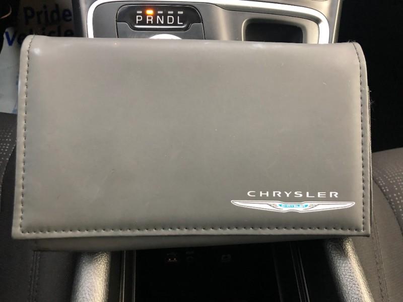 Chrysler 200 2016 price $12,990