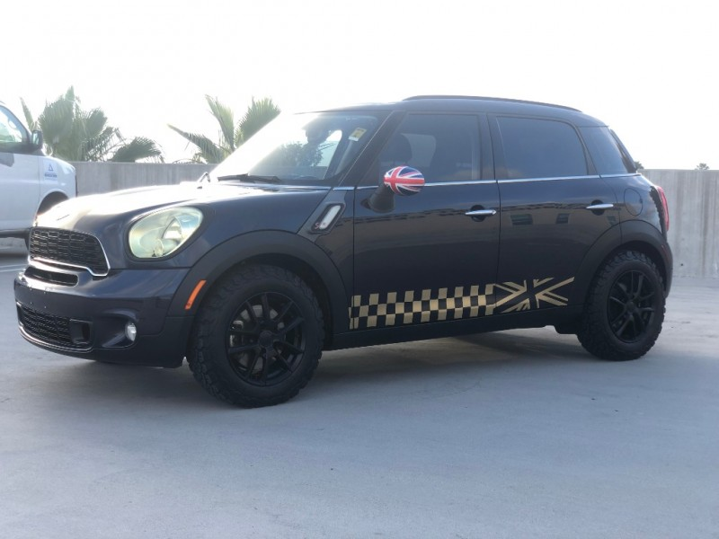 Mini Cooper Countryman 2012 price $7,999