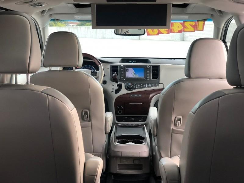 Toyota Sienna 2014 price $12,490