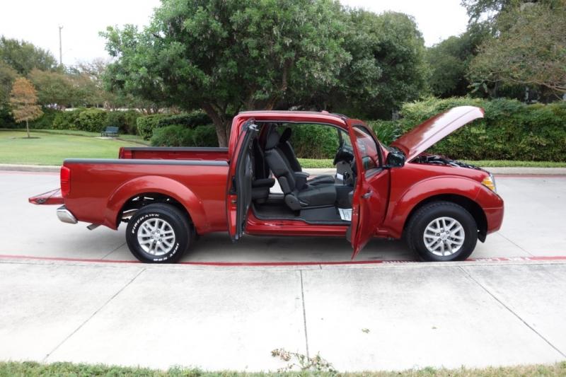 Nissan Frontier 2014 price $11,995