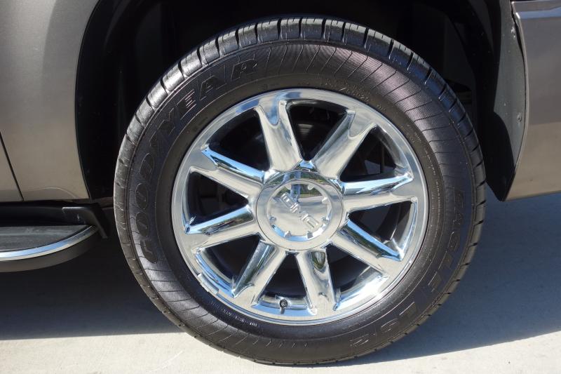GMC Yukon Denali XL 2011 price $14,995
