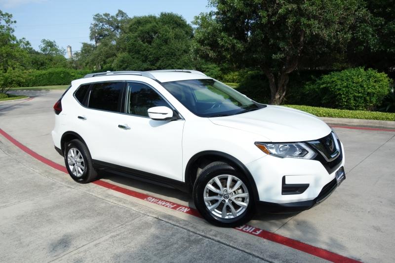 Nissan Rogue SV 2019 price $16,995