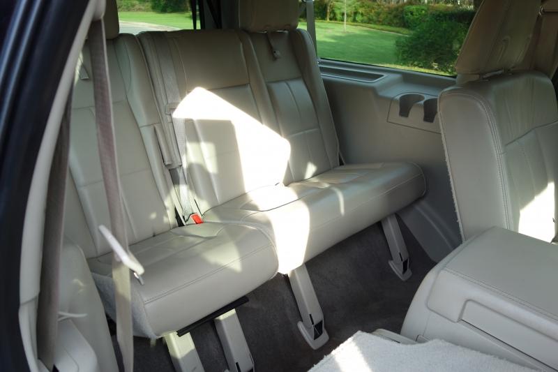 Lincoln Navigator L 2011 price $11,495