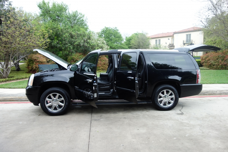 GMC Yukon XL Denali 2012 price $16,995