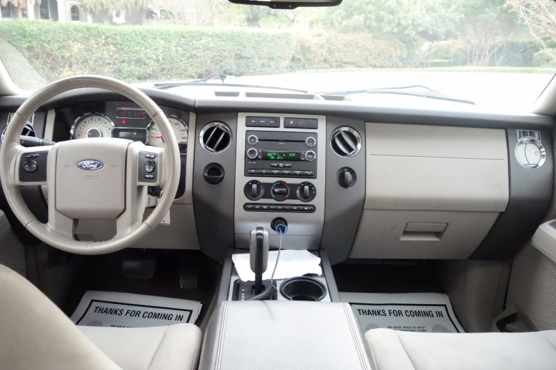 Ford Expedition XLT 2013 price $13,995