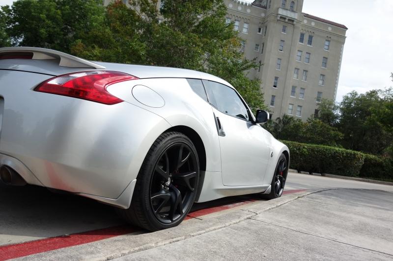Nissan 370Z 2013 price $17,995
