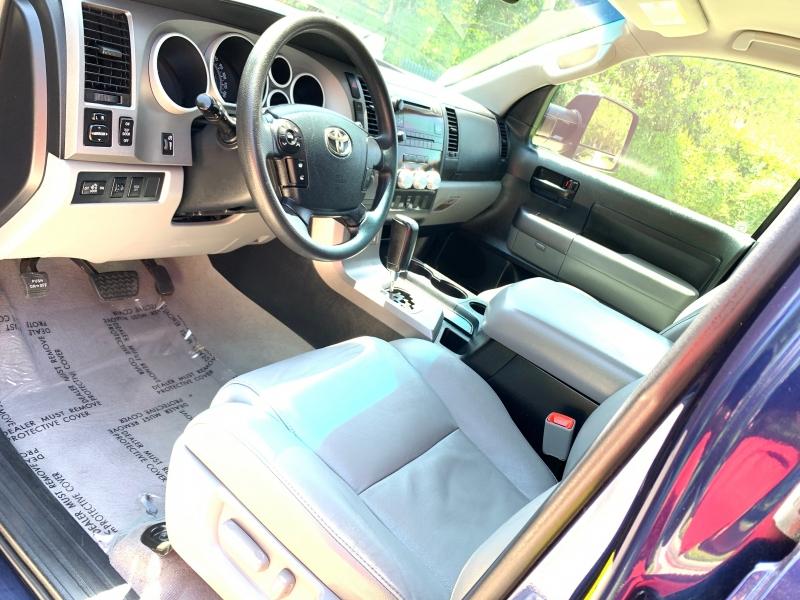 Toyota Tundra 4WD CrewMax 2011 price $19,995