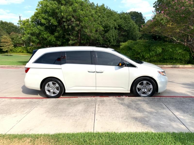 Honda Odyssey Touring Elite 2012 price $12,495