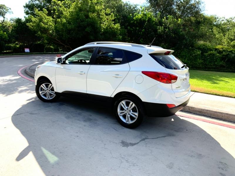 Hyundai Tucson GLS 2013 price $10,495