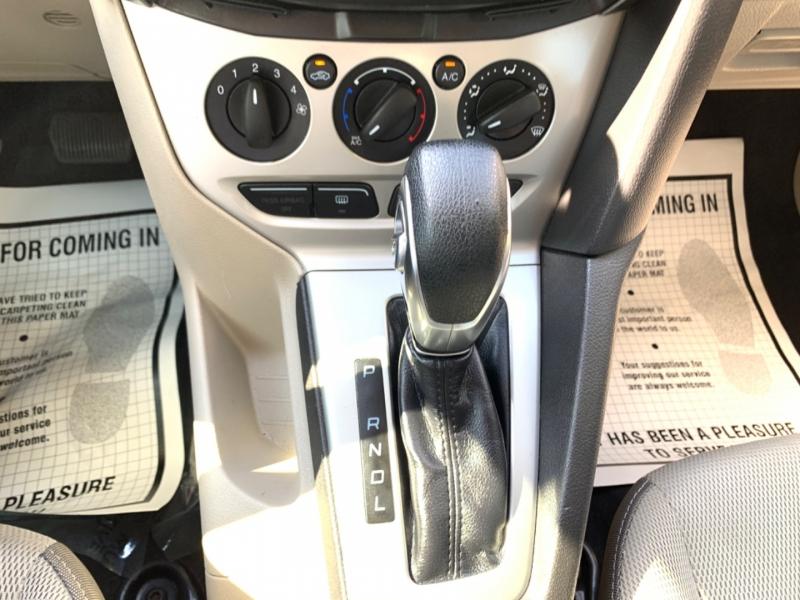 Ford Focus SE 2014 price $8,850