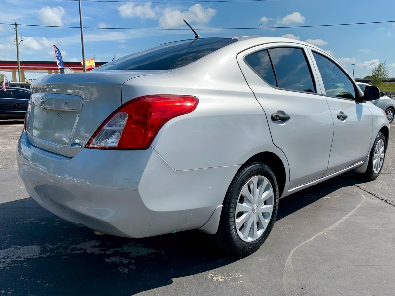 Nissan Versa 2013 price $3,990