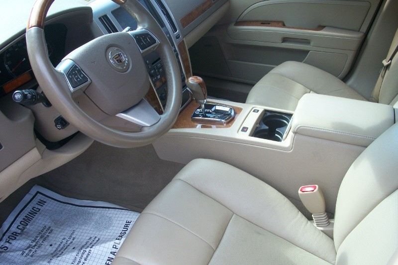 CADILLAC STS 2011 price $14,995