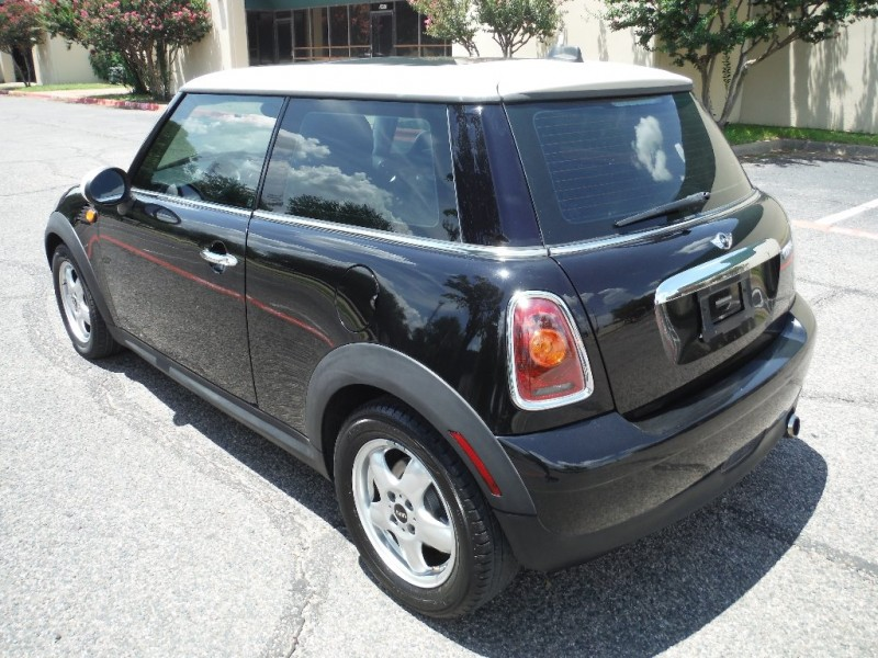 Mini Cooper Hardtop 2009 price $6,700 Cash