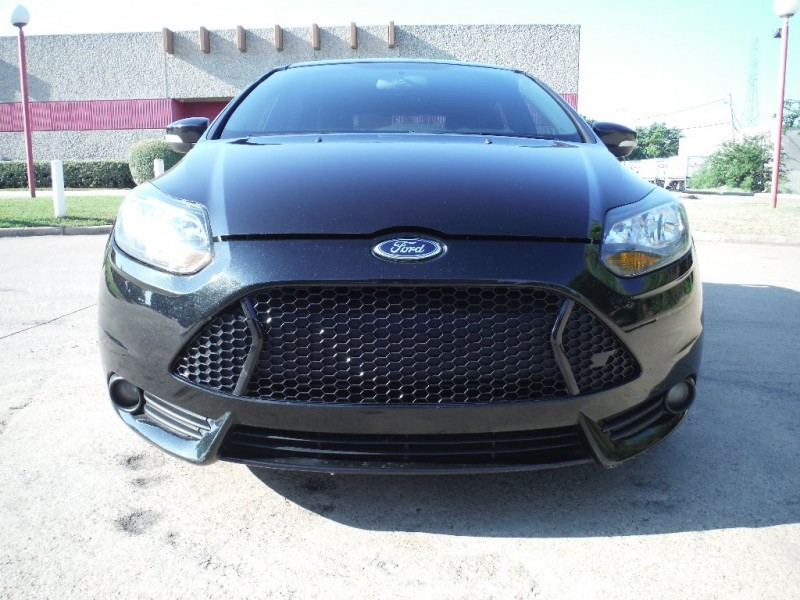 Ford Focus 2013 price $11,200 Cash