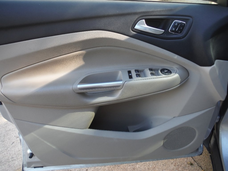 Ford Escape 2015 price $7,900 Cash