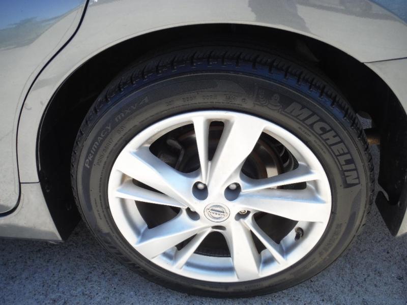 Nissan Altima 2015 price $9,200 Cash