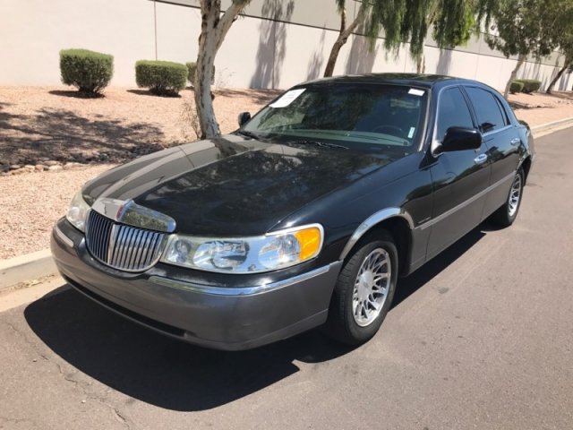 2002 Lincoln Town Car Signature Unique Imports Auto Dealership