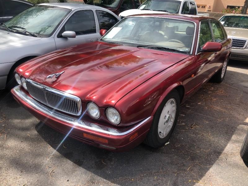Jaguar XJ6 1995 price $2,500