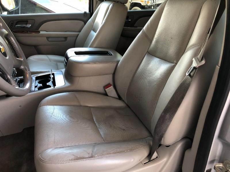 Chevrolet Suburban 1500 2011 price $10,550