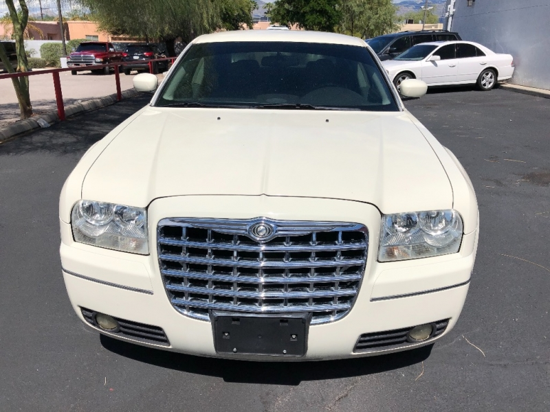 Chrysler 300 2005 price $4,490