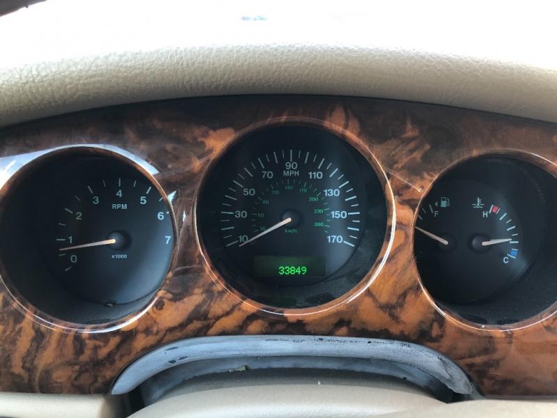 Jaguar XJ8 1999 price $7,490