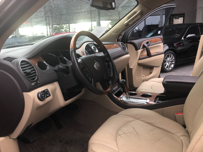 Buick Enclave 2010 price $8,190