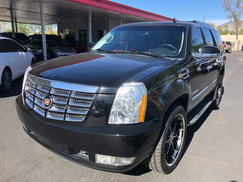 Cadillac Escalade 2013 price $17,965