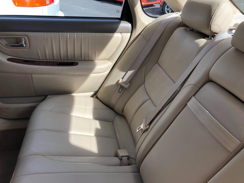 Toyota Avalon 2004 price $3,600
