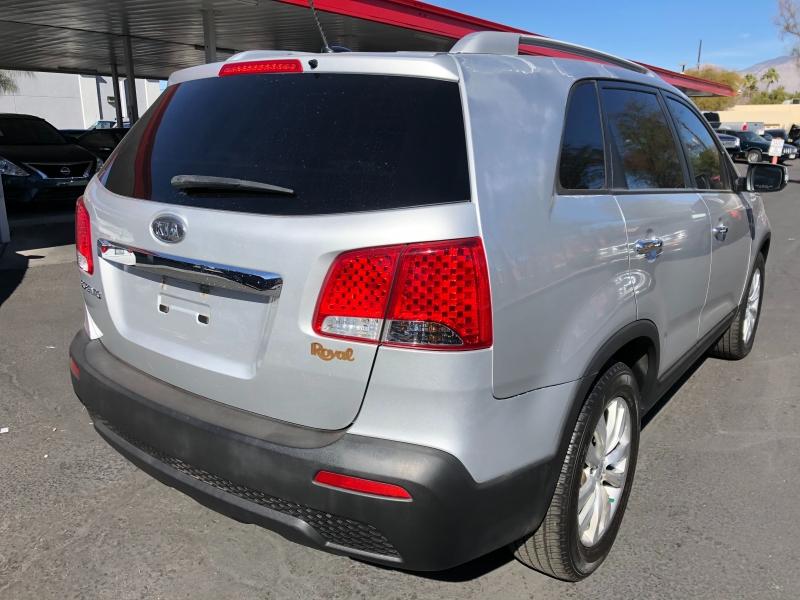 Kia Sorento 2011 price $4,200