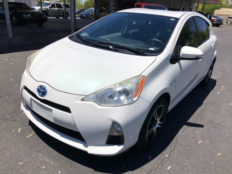 Toyota Prius c 2012 price $5,490
